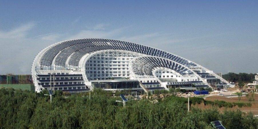 Największy na świecie budynek biurowy zasilany energią ze słońca!